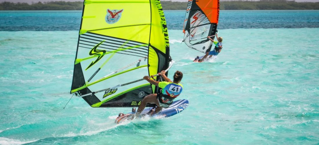 WORLD OF WINDSURF - SOROBONMASTERS 2018 -D4 (37 of 81)